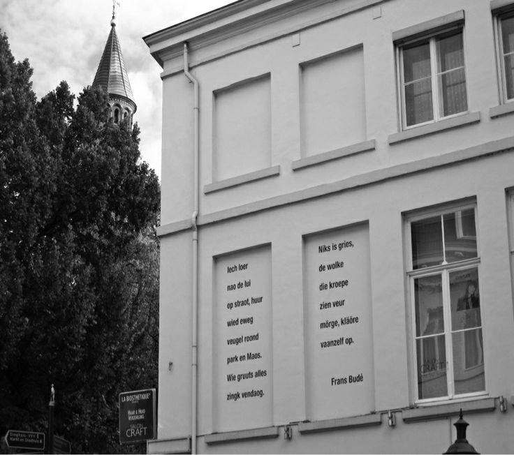 Gedicht van Frans Budé op blinde ramen te Maastricht.