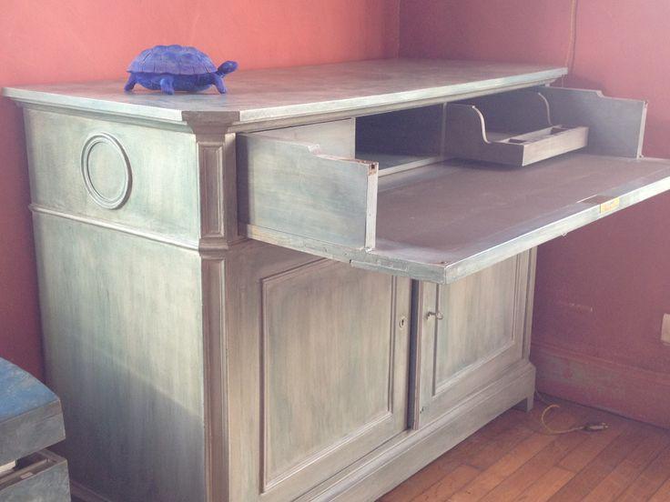 RARE commode acajou du XIX °  patinée gris/bleu à systeme bureau dans le tiroir superieur; ideal pour PC portable 650 € livrée. Visible sur Epinal, toute modification patine possible...