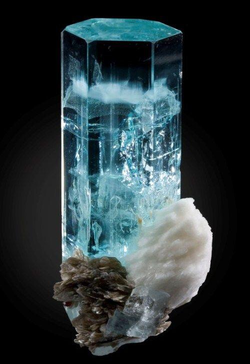 canada winter coats Aquamarine Cleavelandite and Muscovite  CrystalsStonesMinerals