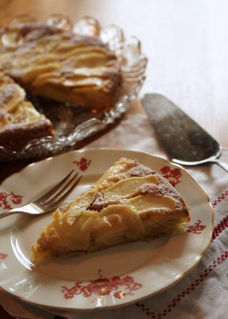 Frisch gepflückte Äpfel wollen sofort verbacken werden. Am liebsten in dieser schnellen und saftigen Apfeltarte.