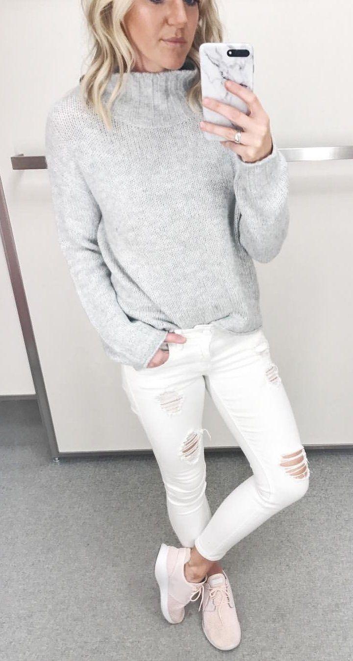 DIY Tutorial: Turtleneck Sweatshirt College Fashion