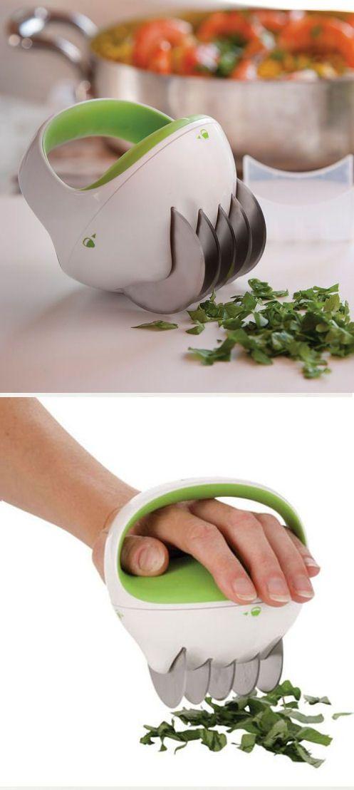Fastcut Kitchen Herb Cutter ♥ #gadgets #kitchen #love #cool #gadget #keuken #snijden #groente #kruiden #handig #mes #koken # gadget