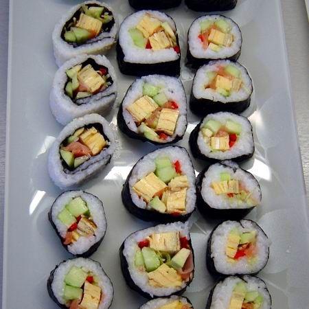 Egy finom Sushi vegyesen japán omlettel és füstölt lazaccal ebédre vagy vacsorára? Sushi vegyesen japán omlettel és füstölt lazaccal Receptek a Mindmegette.hu Recept gyűjteményében!
