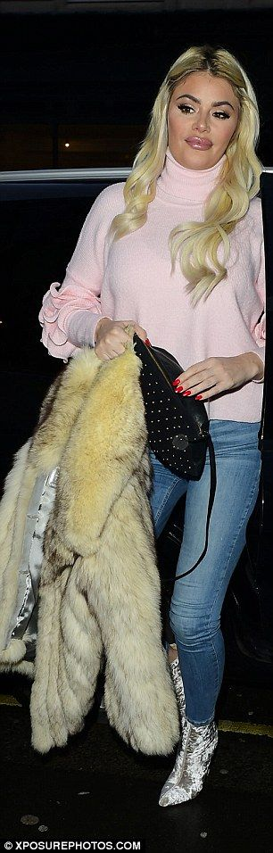 Chloe Sims joins daughter Madison for a fun girls' night #dailymail