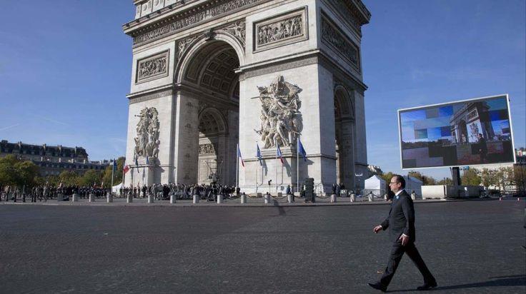 PARÍS El presidente François Hollande asiste a una ceremonia en el Arco del Triunfo durante las celebraciones del Día del Armisticio para conmemorar el 96 aniversario del fin de la Primera Guerra...