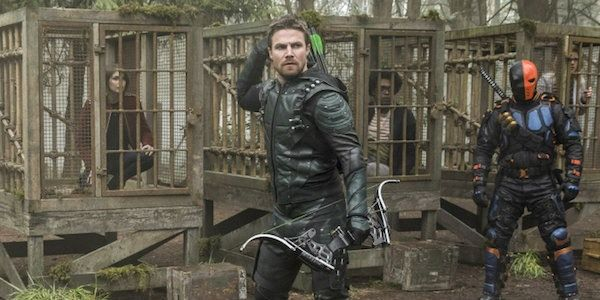 Arrow's Finale Either Has A Continuity Error Or A New Flashpoint Reveal #FansnStars