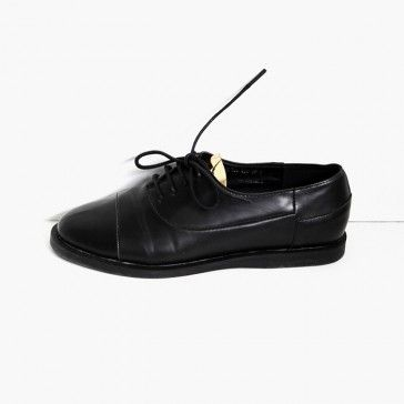 [Gold Chip Oxfords] #Blackshoes #blackoxfords #leatheroxfords #leathershoes featuring a gold detail. Lace-up top. Round toe. #shoe #shoes #onlinestore #onlineshopping #casualshoes #shopping