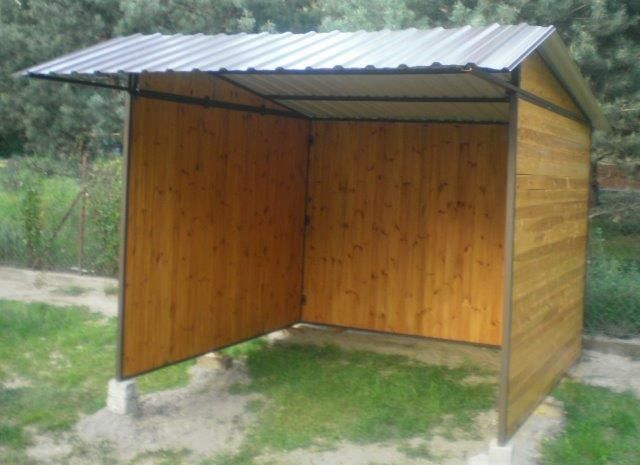 Capannina prefabbricata varie misure con pareti già assemblate IN SALDO premi sull'immagine e vai direttamente al sito per info, foto e prezzi www.fersiniselleria.com info@fersiniselleria.com