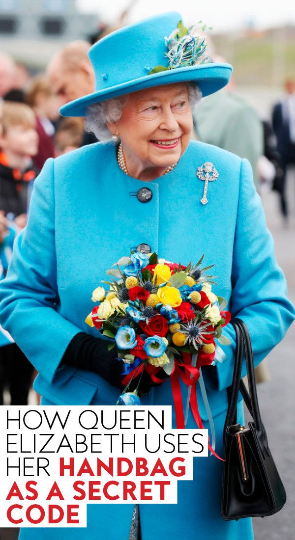 ba33e00380fd How  QueenElizabeth uses her  handbag as a secret code.  Queen  royals   royalfamily  britishroyals  purse  accessories