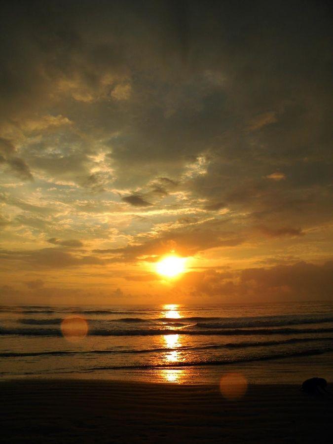 atardecer en la playa de Olon. Ruta del Spondylus