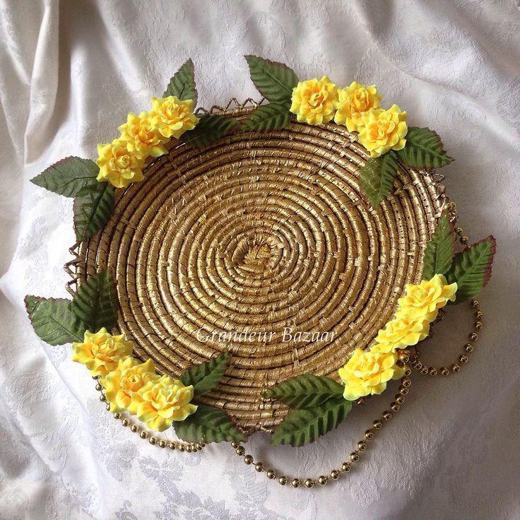 Traditional Golden Glitter Chaba/Yellow.  ________________________________ #hennaparty #chaba #churiya #flowerbasket #homedecor #chabba #henna #thaals #mendhi #decor #mehndiartist #wedding #shadi #mehndiplate #shaadi #asianwedding #crafts #mehndi #pakistani #indian #punjabi #mughal #doodhpilai #shaadiseason #hennadesign #mehndithaal #thaal #dholki #desiwedding #weddingphotography