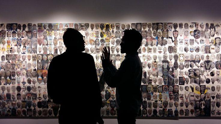 À ceux qui n'ont pas eu la chance de voir l'exposition « 100 visages et amis », faites-vite ! L'expérience est tout simplement hypnotisante !