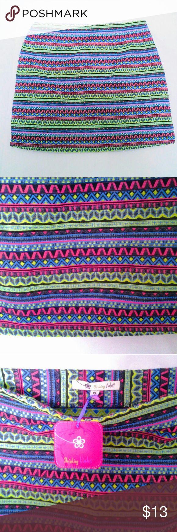 "Aztec Print Skirt size XL 100% cotton New 33"" waist, 42"" hips, 17.5"" length. Side zipper. Skrinking Violet Skirts Mini"