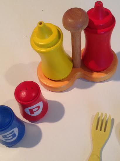 Wooden condiments