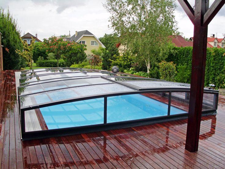 Déšť nijak neublíží kvalitě vody ve vašim bazénu pokud máte zastřešení VIVA