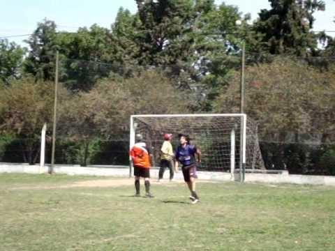 Imágenes del partido disputado el Sábado 06.11.10 entre Super Gioino y Devoto T.V. Cable