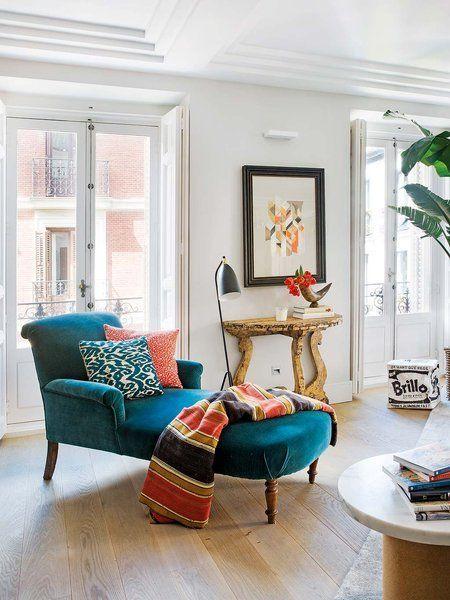 Chaise longue tapizada en terciopelo