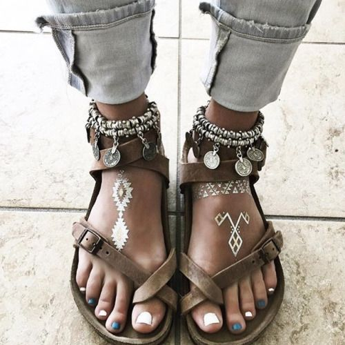 Modern hippie feet with ShimmerTatts metallic tattoos for a cool gypsy style boho chic look. FOLLOW https://www.pinterest.com/happygolicky/the-best-boho-chic-fashion-bohemian-jewelry-gypsy-/ for more Bohemain style ideas.