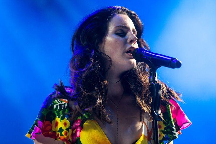 #Música Lana Del Rey lanza una nueva canción en colaboración con Emile Haynie: http://www.gq.com.mx/actualidad/musica/articulos/lana-del-rey-lanza-nueva-cancion-y-prepara-disco-honeymoon/4458