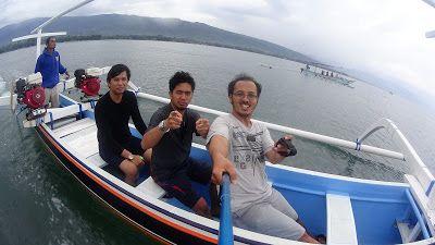 Serunya Berburu Lumba-lumba di Pantai Lovina Buleleng Bali,  Pantai Lovina merupakan satu-satunya pantai di bali yang menyajikan pemandang...