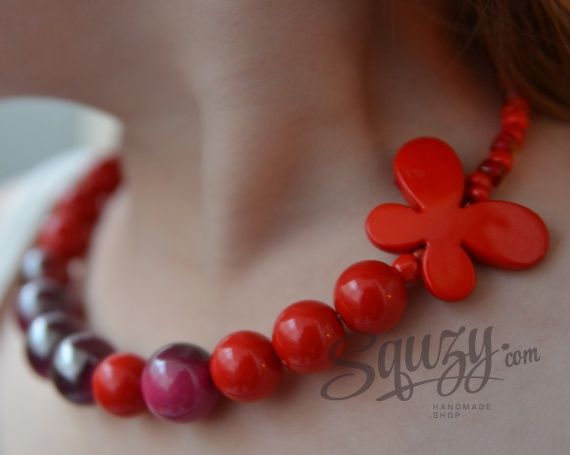 Girl makes a neckplace
