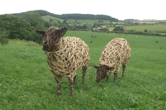living willow sculptures | willow owl in winter doe and fawn from dorset hedgerow willow cows at ...