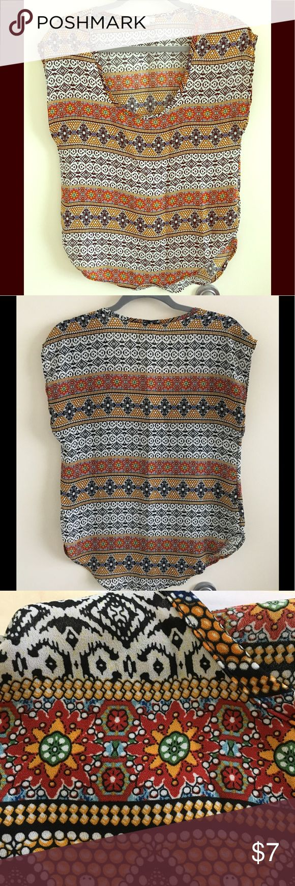 """Body Central Shirt Body Central short sleeve bohemian design shirt. Good condition- Approx. 26"""" Size: SM Body Central Tops Tees - Short Sleeve"""