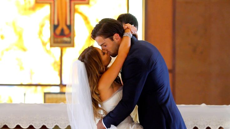 I love this, now this is a type of wedding video I would like to have..Jessie James Decker - I Do