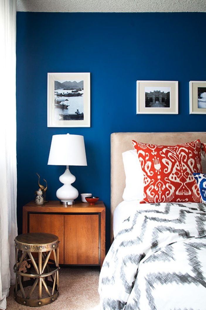 Soothing, deep and unusual, we can't get enough of Maria's lovely blue bedroom.