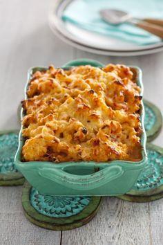 **** Recept voor bloemkool ovenschotel: beetje vreemd met de 2 sauzen door mekaar.  Volgende keer tomatensaus door macaroni en bloemkool en in de ovenschaal de kaassaus er bovenop gieten.