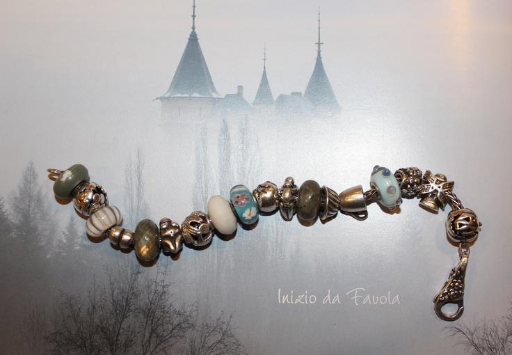 Questo è uno dei miei bracciali #TROLLBEADS che porto al polso, uno dei beads a cui sono più affezionata è il Dolce Momenti; con un marito Chef non poteva essere diversamente! Bue per l'anno di nascita di mia figlia nel 2009 e i beads del WT Olanda, per ricordare il mio paese d'origine.
