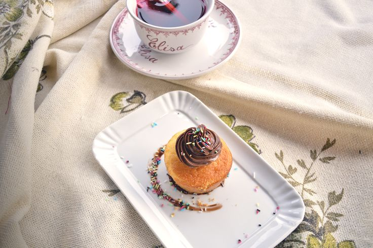 Food photo - homemade cupcake #food #photo #cupcake #tea #vintage #muffin #dessert #delicious #beautiful #love #instagrammers
