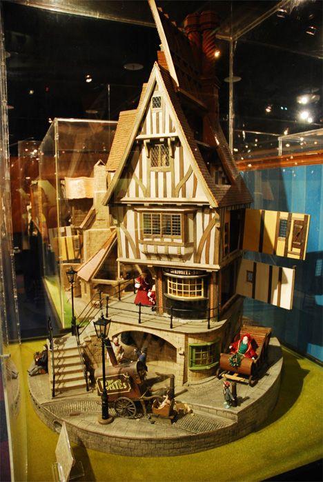 Miniature-Museum-Victorian-House