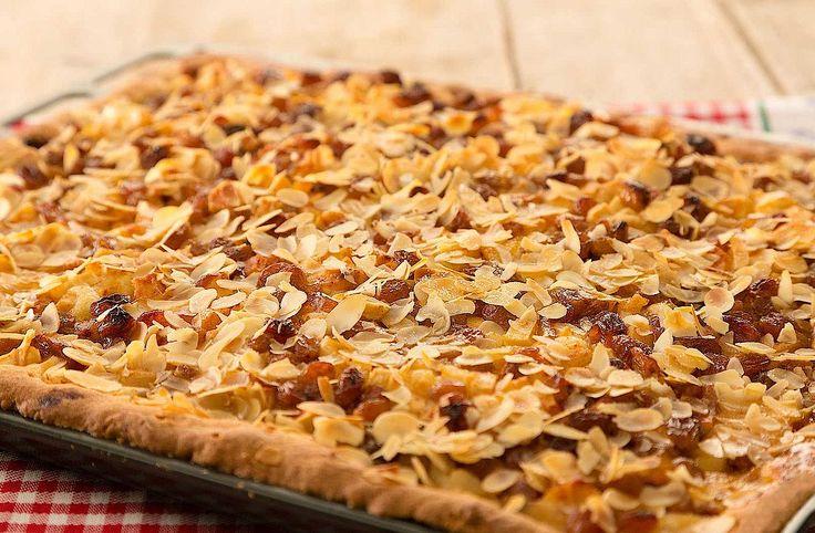 Deze appelplaatkoek is ideaal voor als je visite hebt. Heerlijk om te delen!