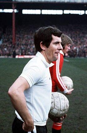 Alan Mullery Fulham 1975