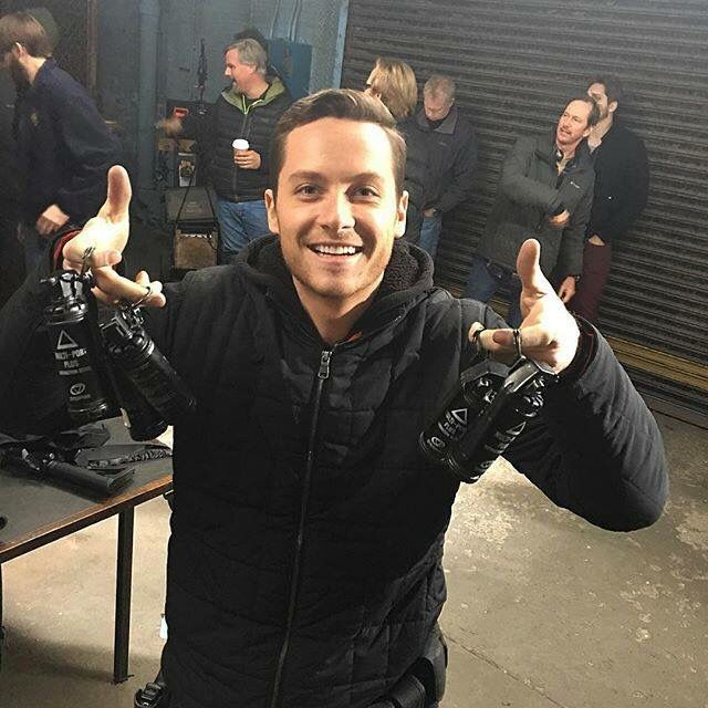 17 best images about jesse lee soffer on pinterest merry christmas law enforcement and actors. Black Bedroom Furniture Sets. Home Design Ideas