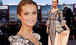 Alicia Vikander in a Tudor gown at The Danish Girl premiere at the Venice Film Festival | Daily Mail Online