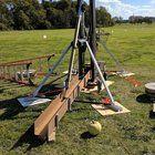 Dallas Makerspace built an all steel 1 ton floating arm Trebuchet