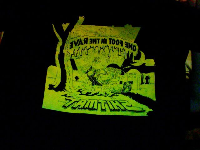 shitmat one foot in the rave tour t-shirt, with back print of dates (SIZE M)