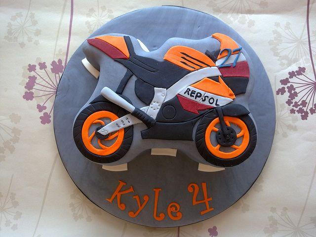 Repsol :)  Motorcycle sports bike birthday cake  Race / motorcycle birthday party