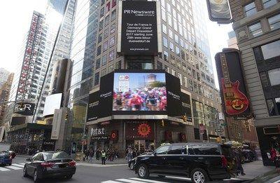 Grand Départ Düsseldorf 2017 en New York Times Square   DÜSSELDORF Alemania Abril 2017 /PRNewswire/ - Publicidad para el inicio del Tour de Francia Del 29 de junio al 2 de julio de 2017 los ojos del mundo estarán en Düsseldorf cuando el Tour de Francia empiece aquí en Alemania otra vez por primera vez en 30 años celebrado por cientos de miles de espectadores y una audiencia mundial de millones de emisiones en vivo en televisión e Internet. El Tour de Francia es también muy popular en EE. UU…