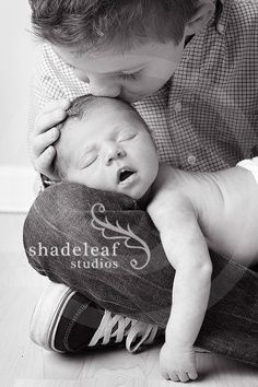 Newborn baby and older sibling photo idea!