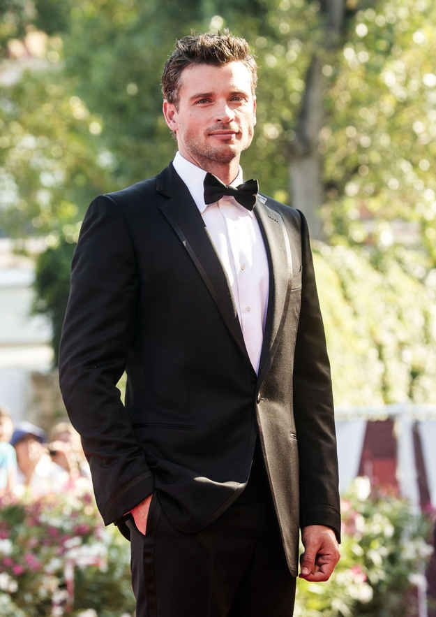 We should start a campaign. | Why Being Single Is The Best Thing That's Ever Happened To Tom Welling