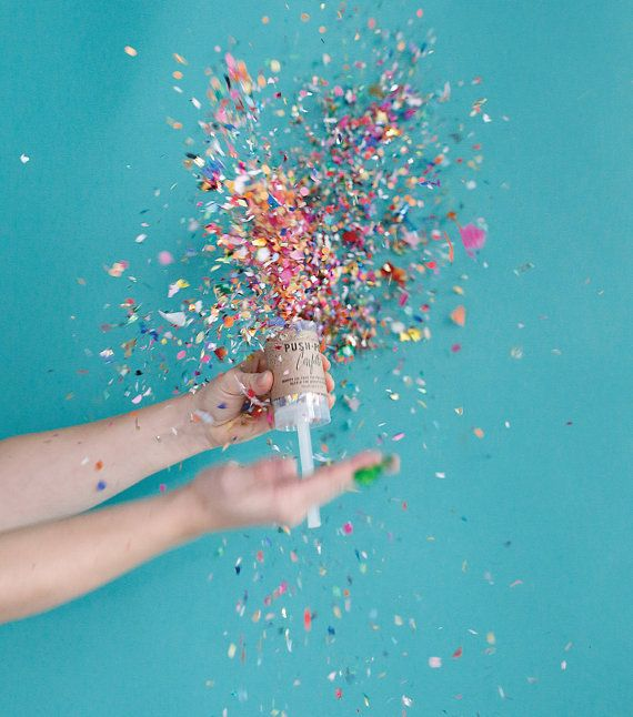 Dazzle the world in confetti with this push-pop! * THIS PRICE IS FOR (1) ONE SINGLE UNIT • 1.5 x 7.5 (including handle) • Reusable, food-safe