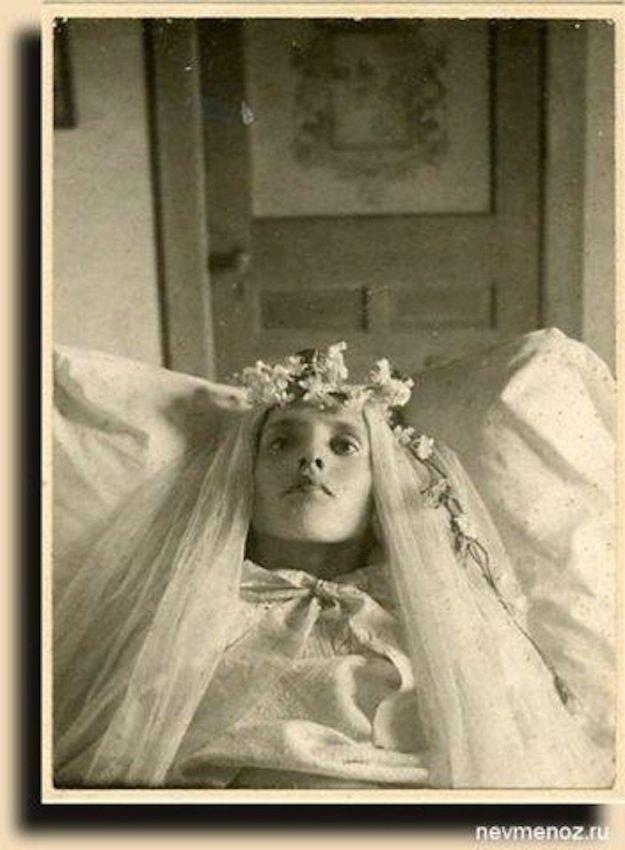 Buzzfeed: 17 Haunting Post-Mortem Photographs From The 1800s .. so fascinating! Most families couldn't afford photography, so they took pictures after family members died because it was the only time they would get dressed up and have pictures taken- more so then weddings! literally, the last chance to have a picture taken of a loved one. So sad. Very creepy, but definitely cool.