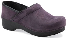 The Dansko Crepe Pro from the Stapled Clog collection. MSRP $135  #danskoessentials