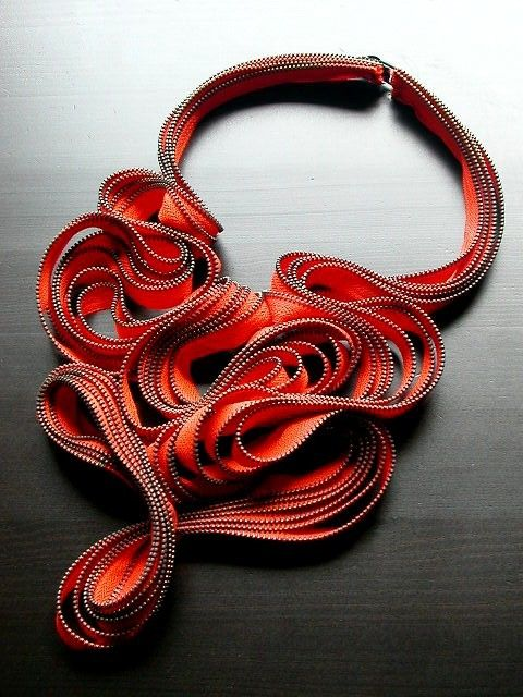 La collana di cerniera Blossom di ReborneJewelry su Etsy