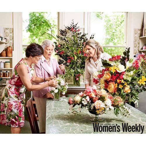 Inside Dame Elisabeth Murdoch's flower garden | Australian Women's Weekly