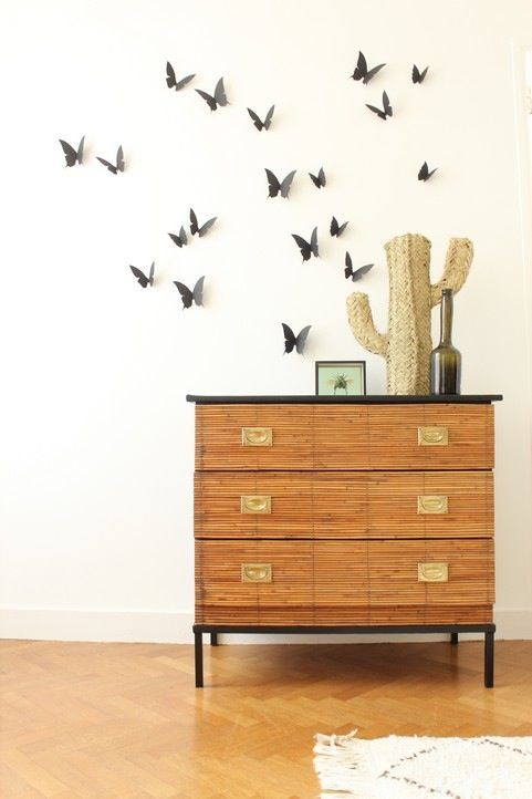 Image of Envolée de papillons noirs {Black butterflies flight}