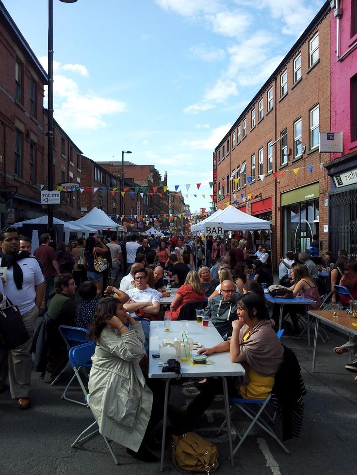Manchester's Northern Quarter is een creatieve wijk vol leuke winkels en barretjes. Zeker een stop waard tijdens je roadtrip door noord Engeland.